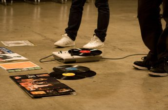1 Record Player Feet _DJ